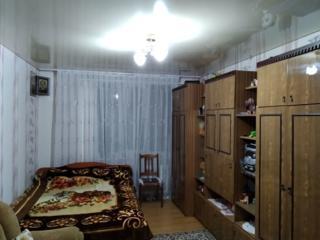 Продается 1 комнатная квартира 37 кв. м. большая кухня, ремонт, мебель