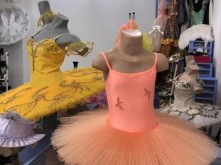 Недорогие балетные костюмы(пачки) для юных балерин