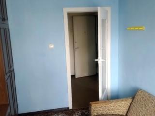 Apartament cu 2 camere separate, 45 m2, bloc din cotileț, Buiucani