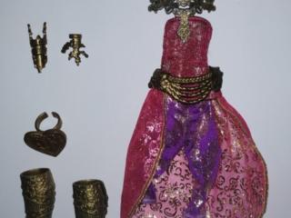 Продам наряды от оригинальных кукол