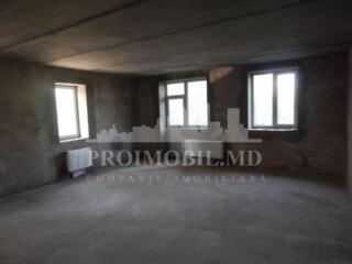 Spre vânzare apartament cu 3 camerе și suprafața de 100 mp. Casă ...