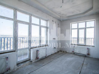 De vânzare apartament în variantă albă cu suprafața de 120 mp, format