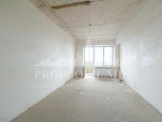 De vînzare apartament cu 2 camere și suprafață de 78 mp. Priveliște .