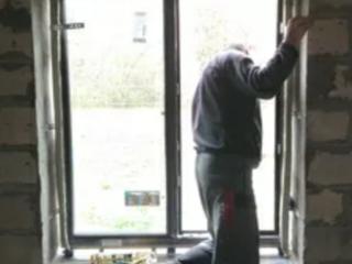 Требуется установщик металлопластиковых окон.