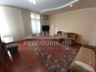 Apartamentul cu 2 camere disponibil spre chirie este amplasat în ...