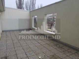 De vânzare apartament cu două camere și suprafață de 70 mp+terasă 35 .