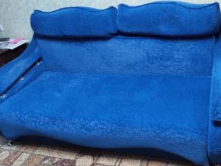 Срочно продается диван в хорошем состоянии
