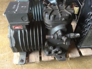 Полугерметичный компрессор Copeland (США).