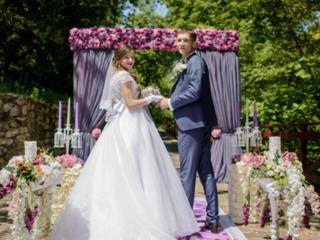 В прокат свадебное платье размер М, состояние идеальное