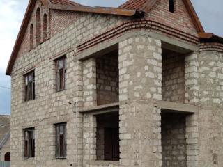 Большой красивый дом в центре с. Парканы