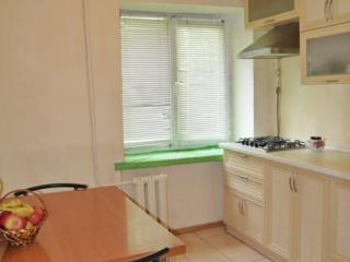 """Продается 3-комнатная квартира, улица Лягина, район """"Сотки"""", 1-й этаж"""