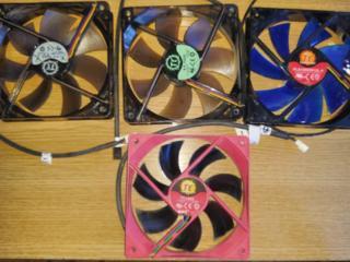 Вентиляторы 120ч120 мм - 3-pin - 3 шт. с подсветкой, 4-pin - 1 шт. б/у
