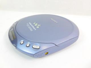 Портативный CD-плеер Sony D-E221.