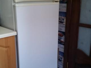 Продается холодильник Атлант Минск б/у рабочий в отличном состоянии.