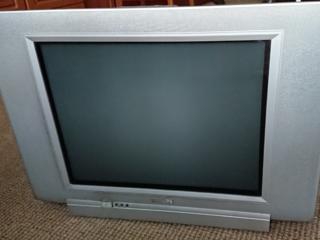 Продаю телевизор б/у PHILIPS 21PT531/60