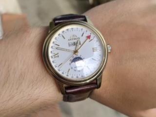 Срочно /Швейцарские часы фирмы Astron