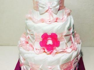 Торт из памперсов - подарок для новорожденного на выписку из роддома