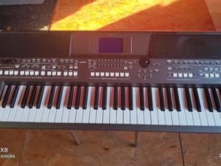 Продам Yamaha PSR S670