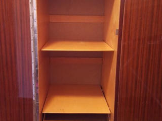 Шкаф 3-х створчатый на ножках светлый полированный. Отличный. Недорого