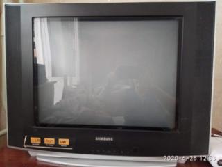 Продам телевизор, требующий мелкого ремонта