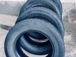 Продам 2 зимние шины Lassa за 250 руб. Липучка.