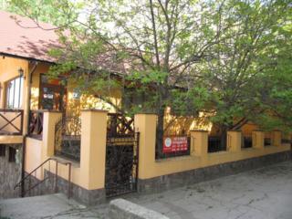 Продается действующий бизнес ресторан с залом для торжеств 385кв. м.