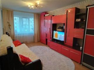 Продается 2-комнатная квартира с евроремонтом, мебелью 47 кв. м. райо