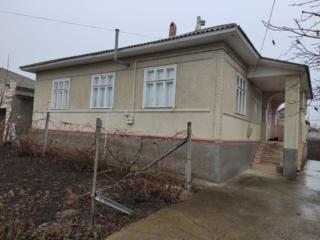 Продается дом 5 комнат 121 кв. м. с. Корлатень. Газифицирован, газовое