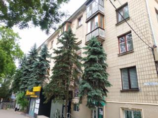 Центр, Негруции, 2-ком., 2/5 этаж, 52м2, раздельные комнаты!