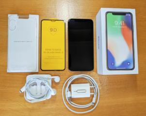Новый iPhone 10/X 64GB в цвете Silver + EarPods + защитное стекло