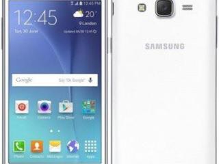 Смартфон Samsung J5 на 2 Sim-карты.