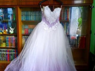 Продам платье, очень красивое с переходом в нежно-сиреневый цвет