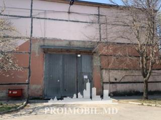 Se oferă în chirie un depozit de 720 m.p. Acesta este situat într-o ..