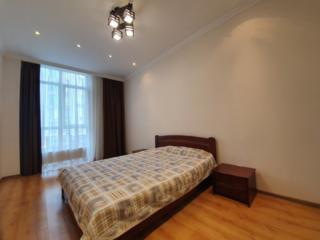 Продам кухню-гостиную + спальня в новом доме на Французском бульваре!!