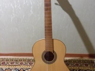 Продам классическую гитару Hora Eco SS100 в ОТЛИЧНОМ состоянии.