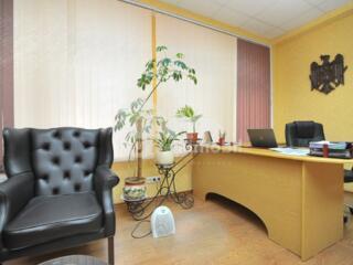 Se oferă spre chirie spațiu ideal pentru frizerie, stomatologie, ...