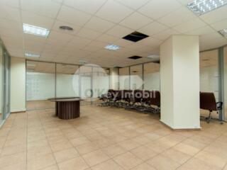 Se oferă spre chirie spațiu comercial pentru oficiu sau alte ...