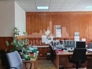 Spre Chirie - Oficiu cu locație ultracentrală, pe str. Columna ...