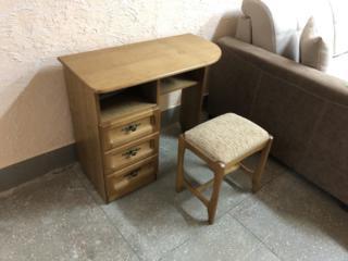 Новый туалетный столик с банкеткой из ольхи. Производство Беларусь.