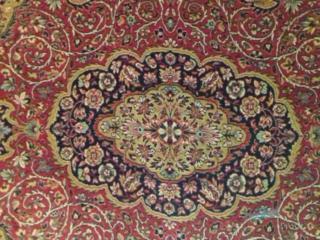 Продаю натуральные шерстяные ковры в отличном состоянии. Очень недорого