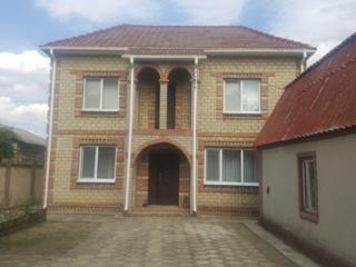 Продается 2-х этажный дом в п. Первомайск