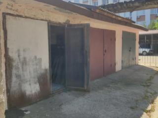 Продам капитальный гараж в центре