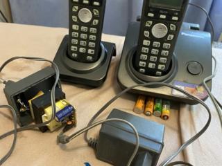 Радиотелефон Panasonic на две трубки, б/у, трубки рабочие - 700л.