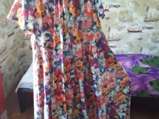 Платье Marinelle, свитшот, джинсовая юбка. Все по 100 лей!