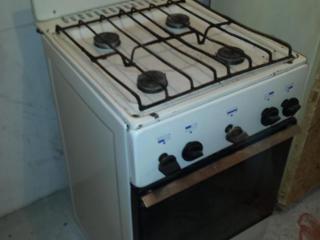 Газ. плита 4-конфорочная в хорошем, рабочем состоянии