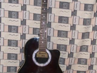 Обучаю игре на гитаре, бас гитаре.