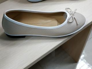 Продаю балетки туфли кроссовки