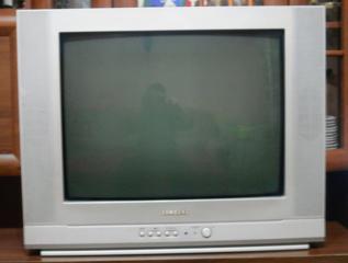 """Телевизоры LG 21FS7RG-TS, и Samsung CS-21H42Z 21"""". Б/у"""