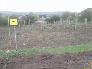13 соток под строительство, 10 км. от Кишинева в сел. Флорены