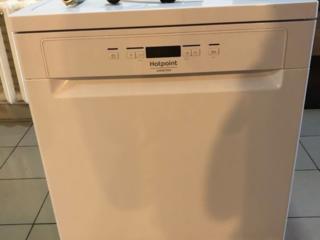 Продается посудомоечная машина Hotpoint Ariston.